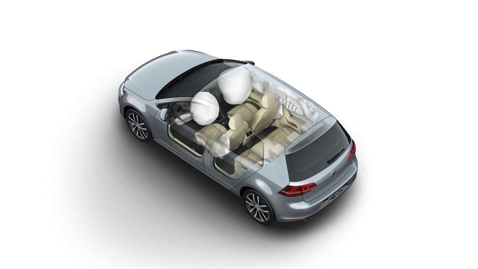 Golf - 7 Airbags - Volkswagen Fiorenza