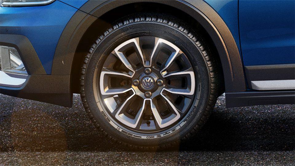 Saveiro - Freio a disco nas 4 rodas - Volkswagen Fiorenza